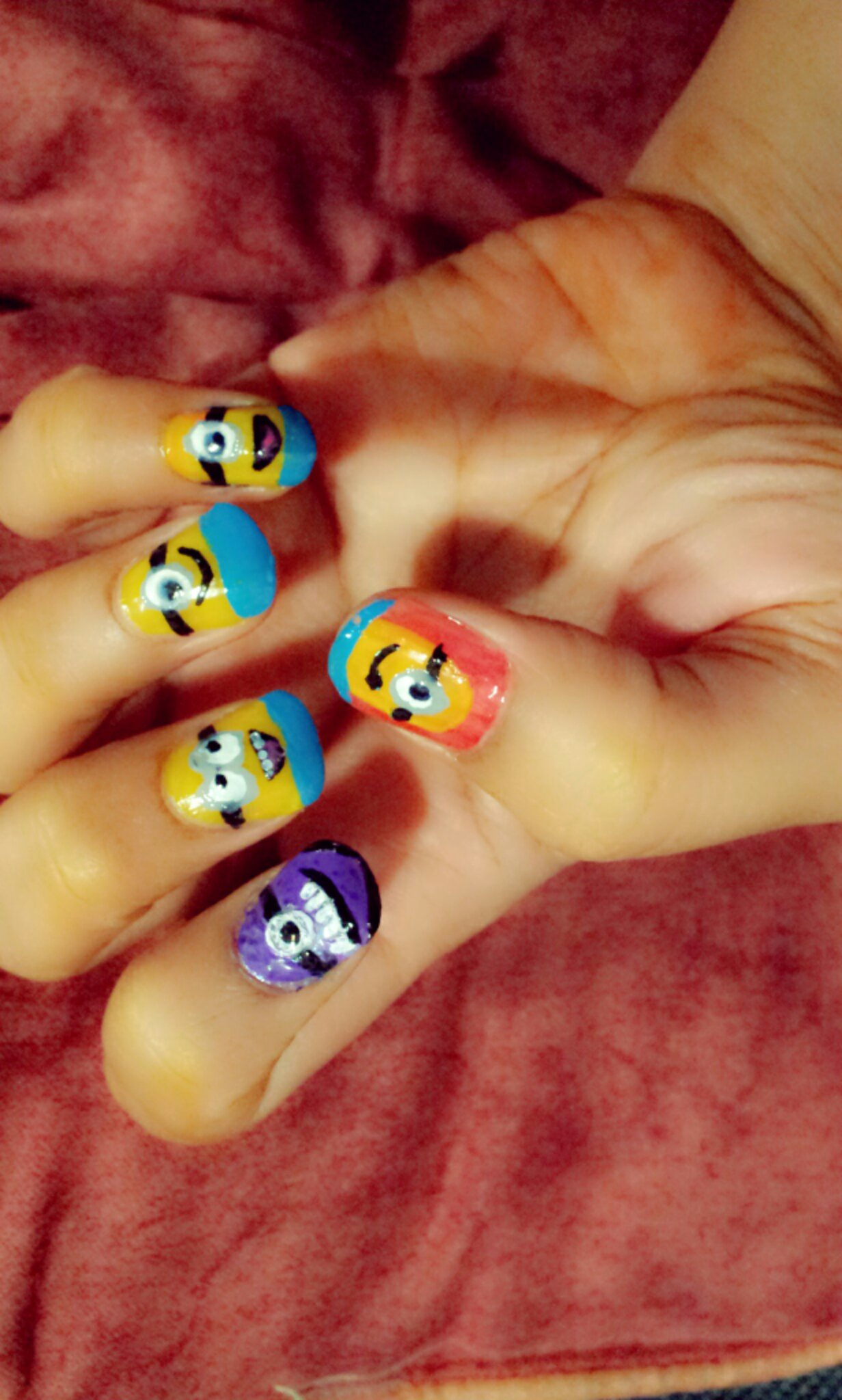NAIL ART : Despicable Me 2 Minion Nails | Q8 Mango People