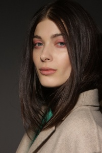 Backstage-Beauty-at-the-Burberry-Prorsum-Spring-2014-RTW-Show-at-London-Fashion-Week_7